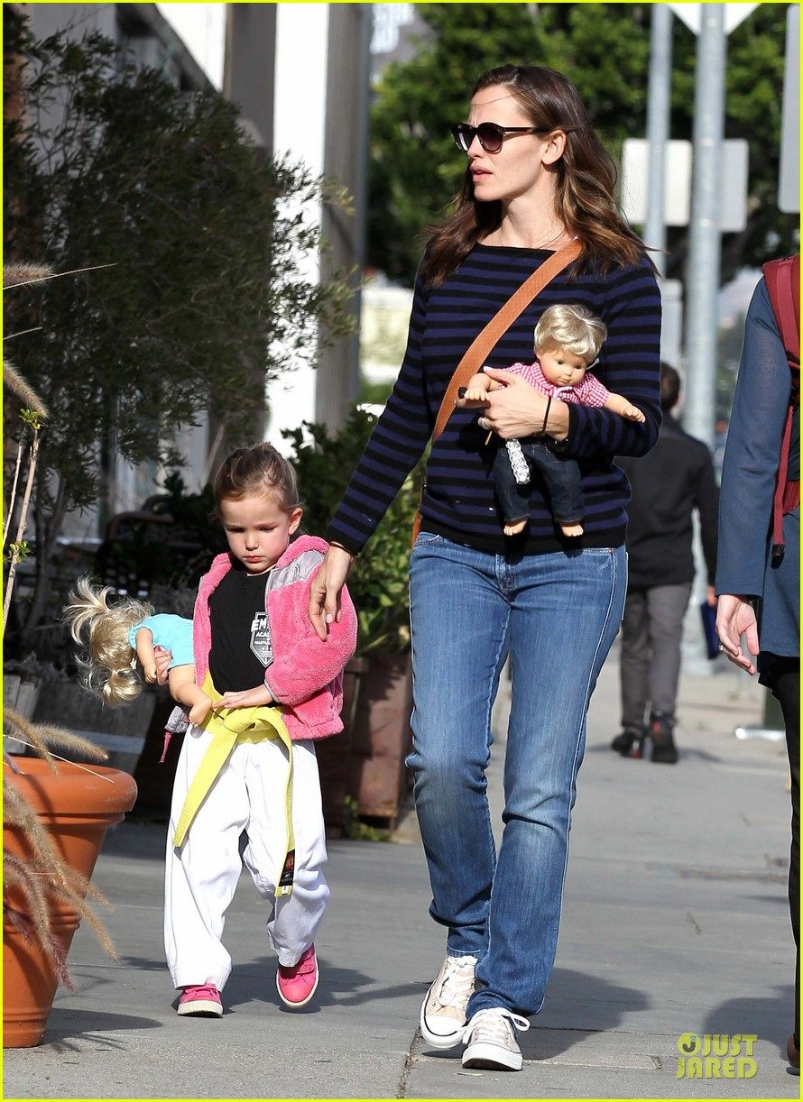 jennifer garner karate drop off with seraphina dolls 302803048