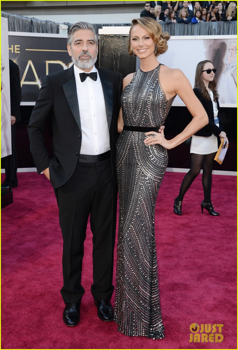 george clooney oscars 2013 with stacy keibler 052819156