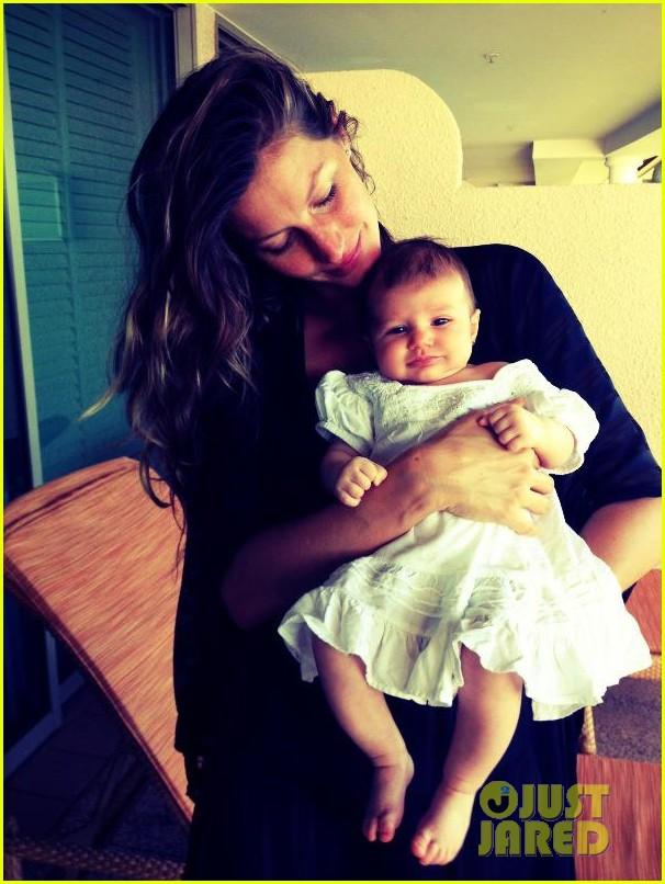 gisele bundchen debuts baby vivian lake 012807232