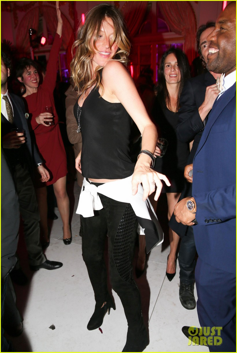 gisele bundchen tom brady mario testino exhibit party 01