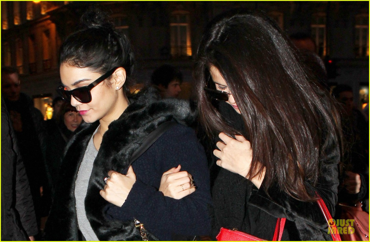 vanessa hudgens selena gomez spring breakers paris dinner 322813513
