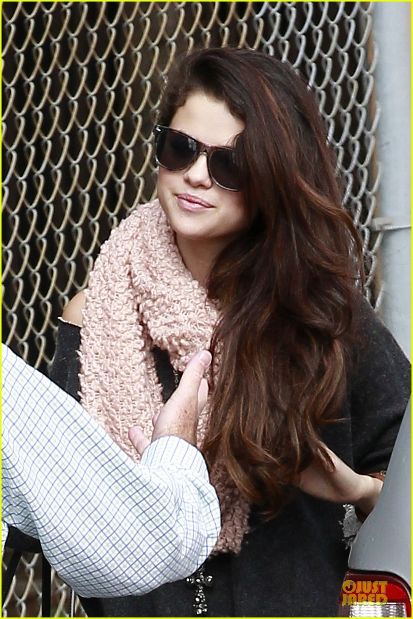 selena gomez lax car ride with fans 022807713