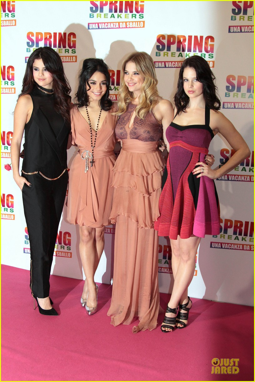 selena gomez rachel korine spring breakers rome premiere 03