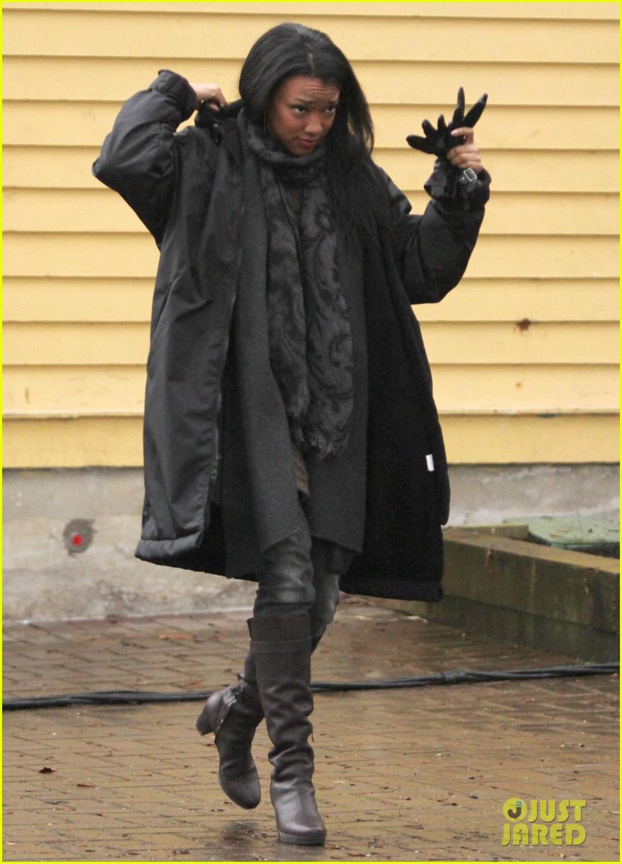 ginnifer goodwin jennifer morrison once upon a time filming 052812809