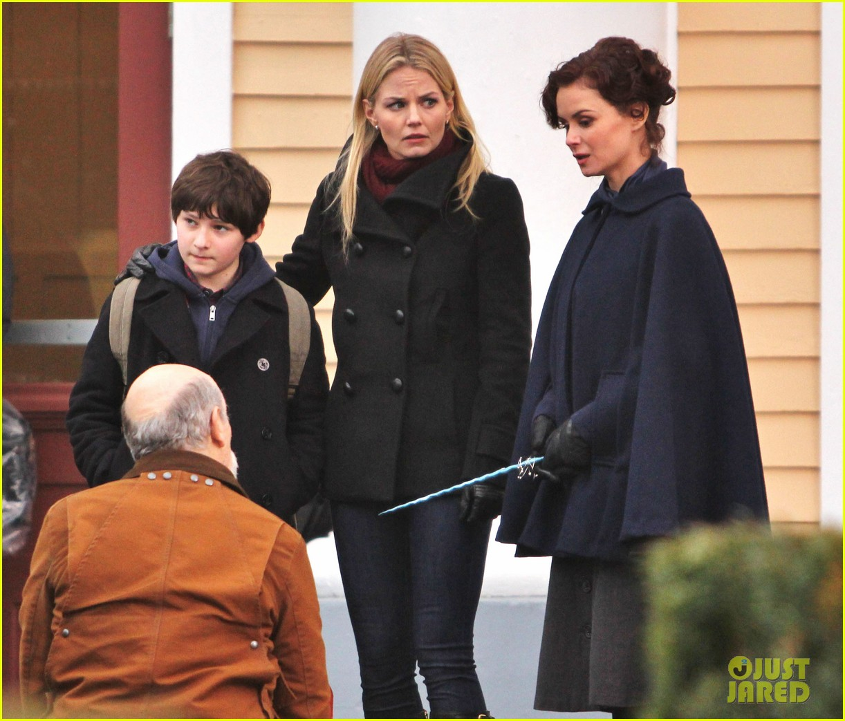 ginnifer goodwin jennifer morrison once upon a time filming 062812810