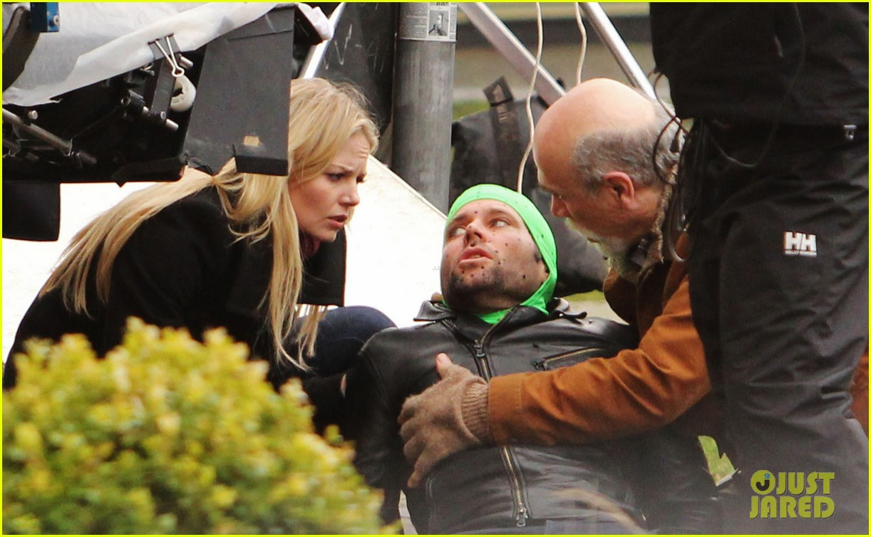 ginnifer goodwin jennifer morrison once upon a time filming 102812814