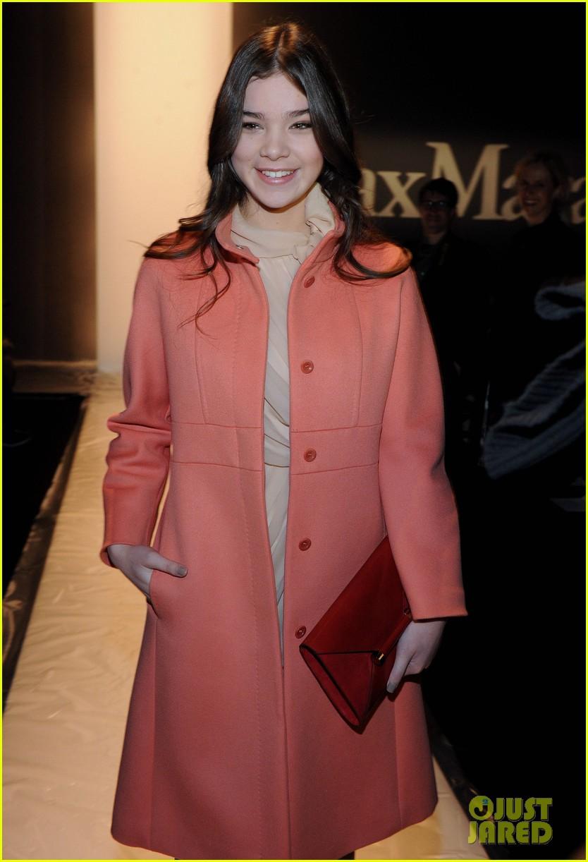 hailee steinfeld max mara fashion show 112816490