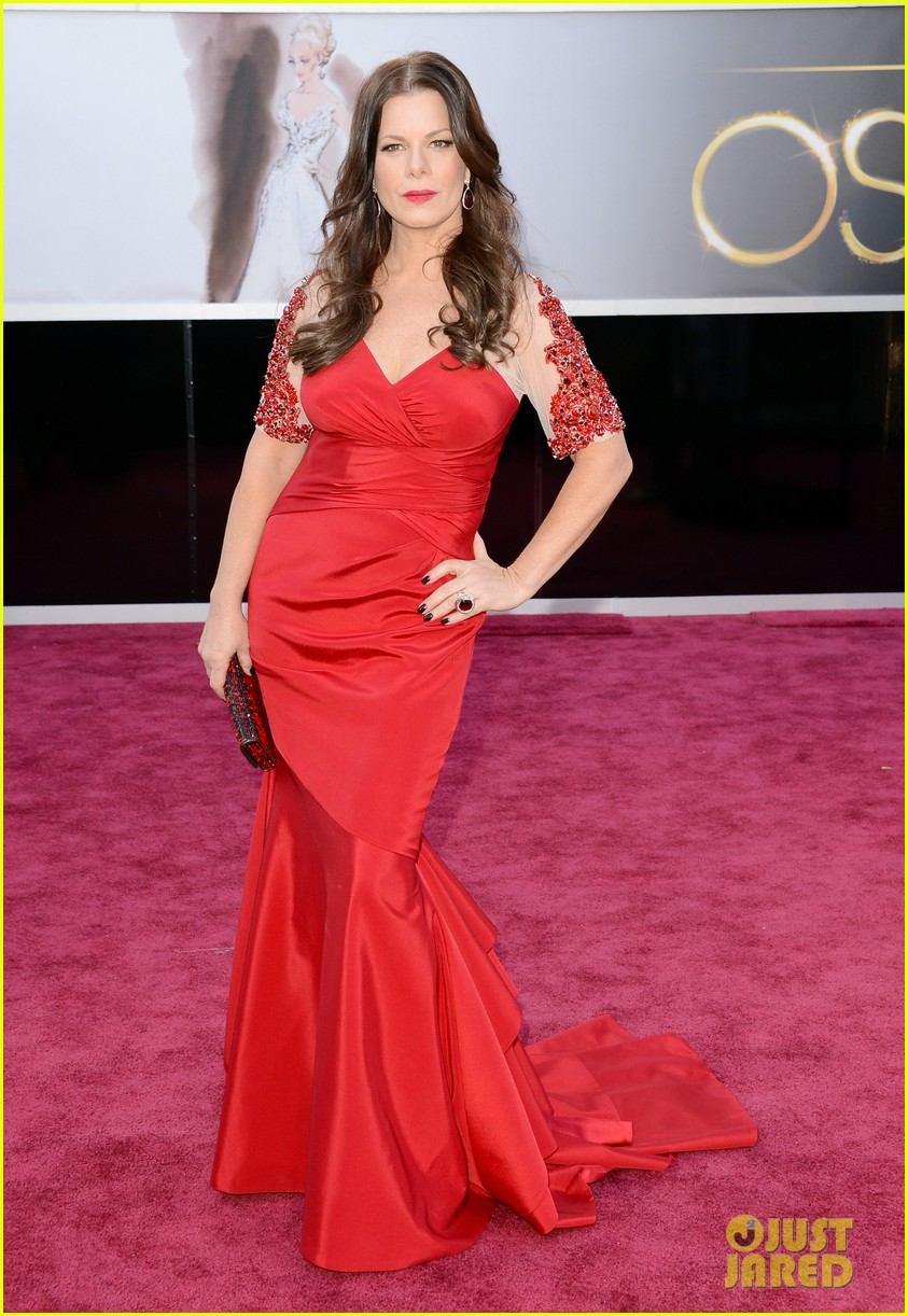marcia gay harden oscars 2013 red carpet 01