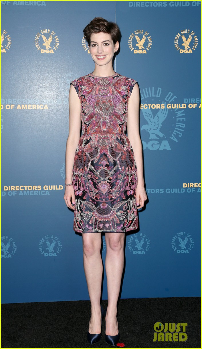 anne hathaway dga awards 2013 with hugh jackman 012803698