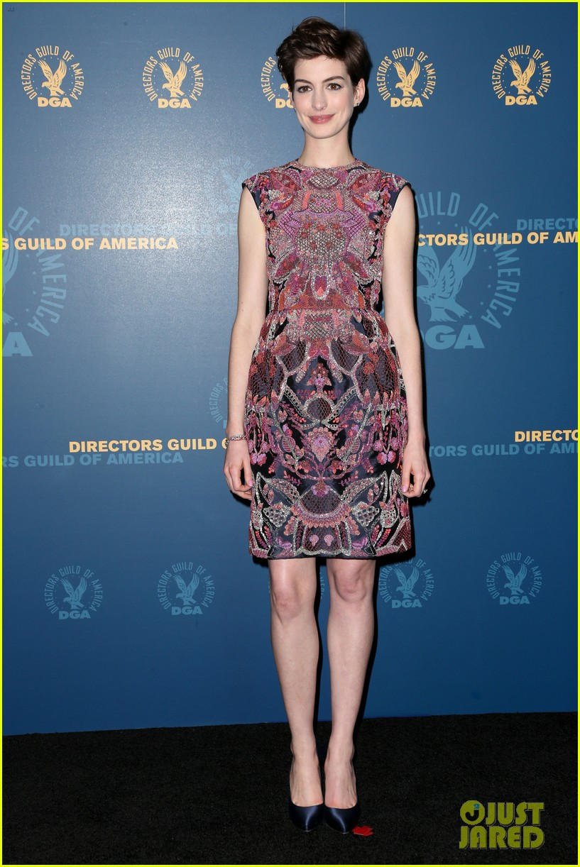 anne hathaway dga awards 2013 with hugh jackman 152803712