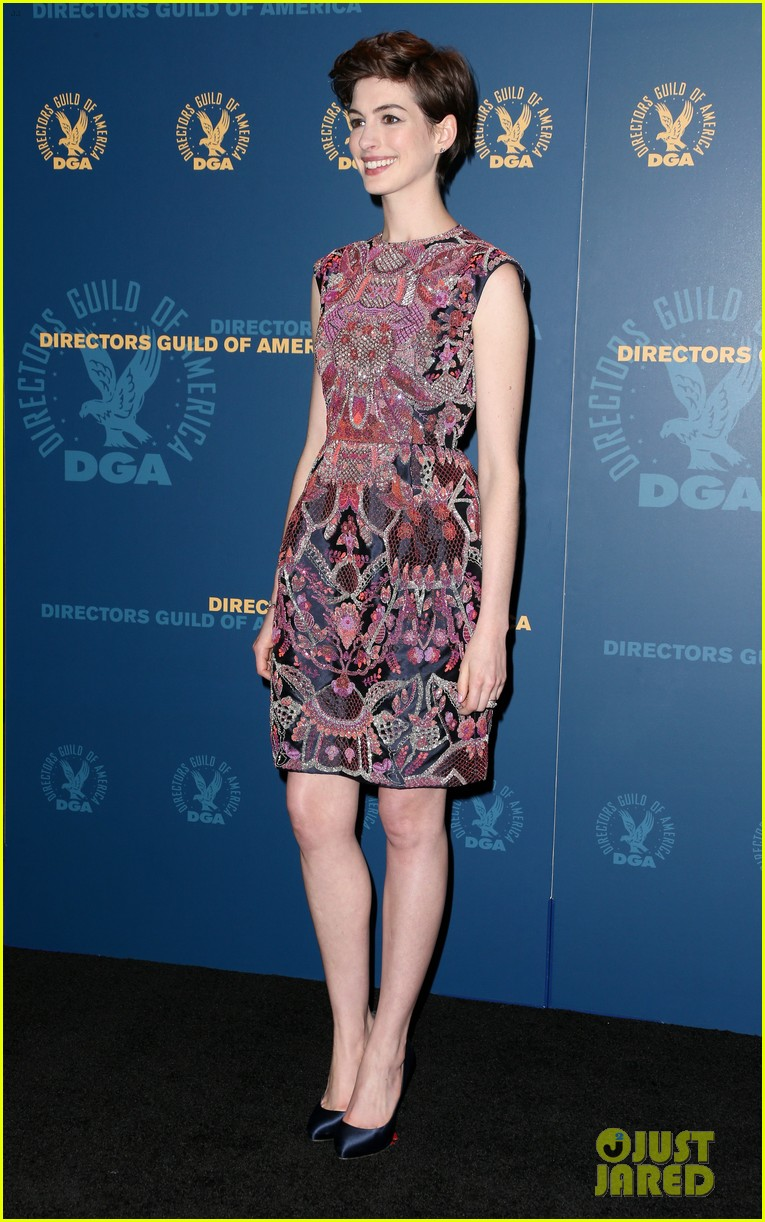 anne hathaway dga awards 2013 with hugh jackman 192803716