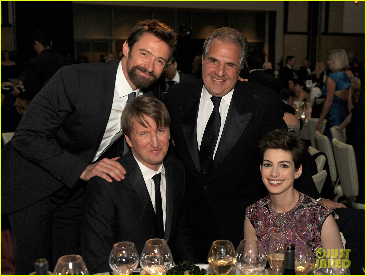 anne hathaway dga awards 2013 with hugh jackman 22