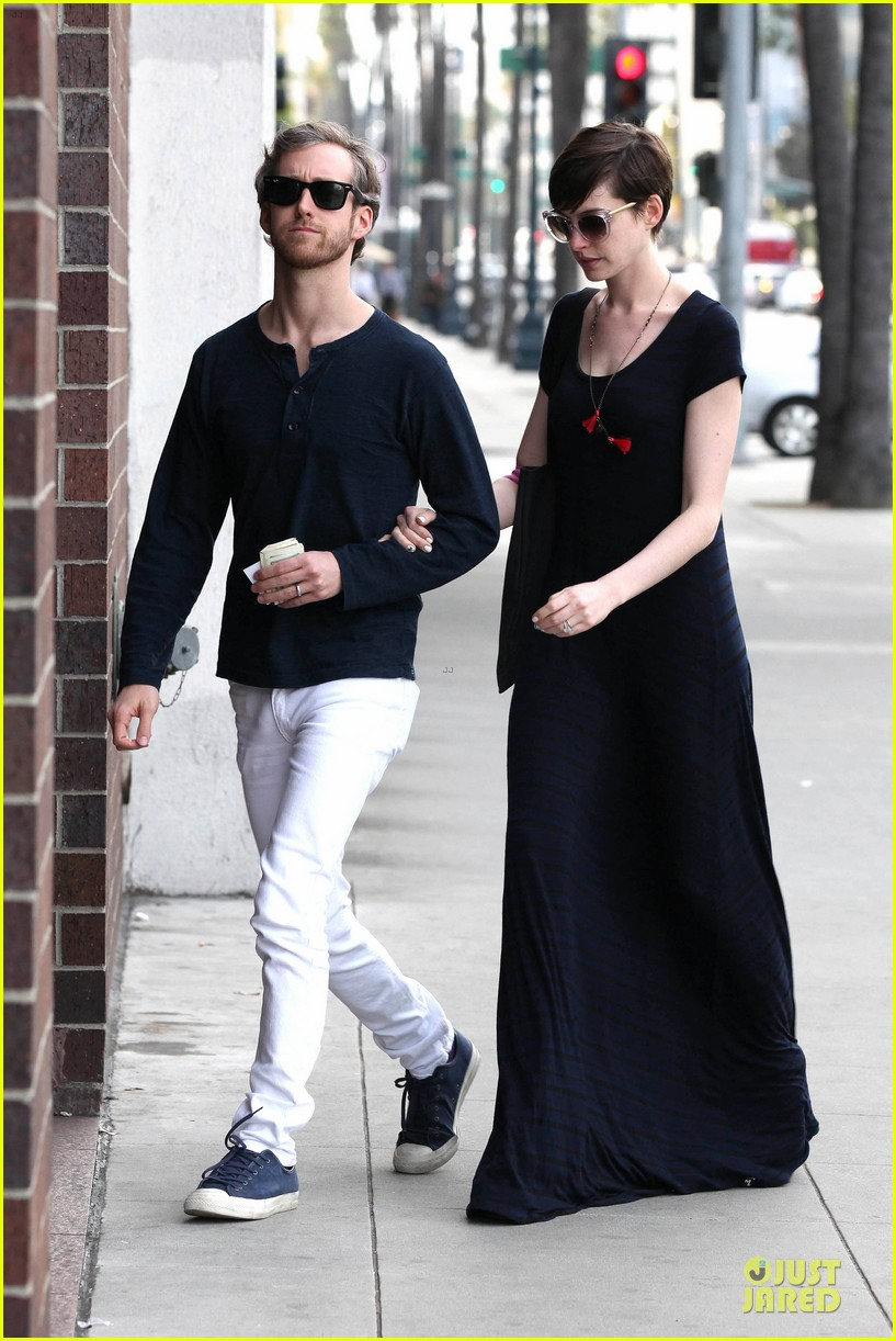 anne hathaway adam shulman medical office visiting couple 052802988