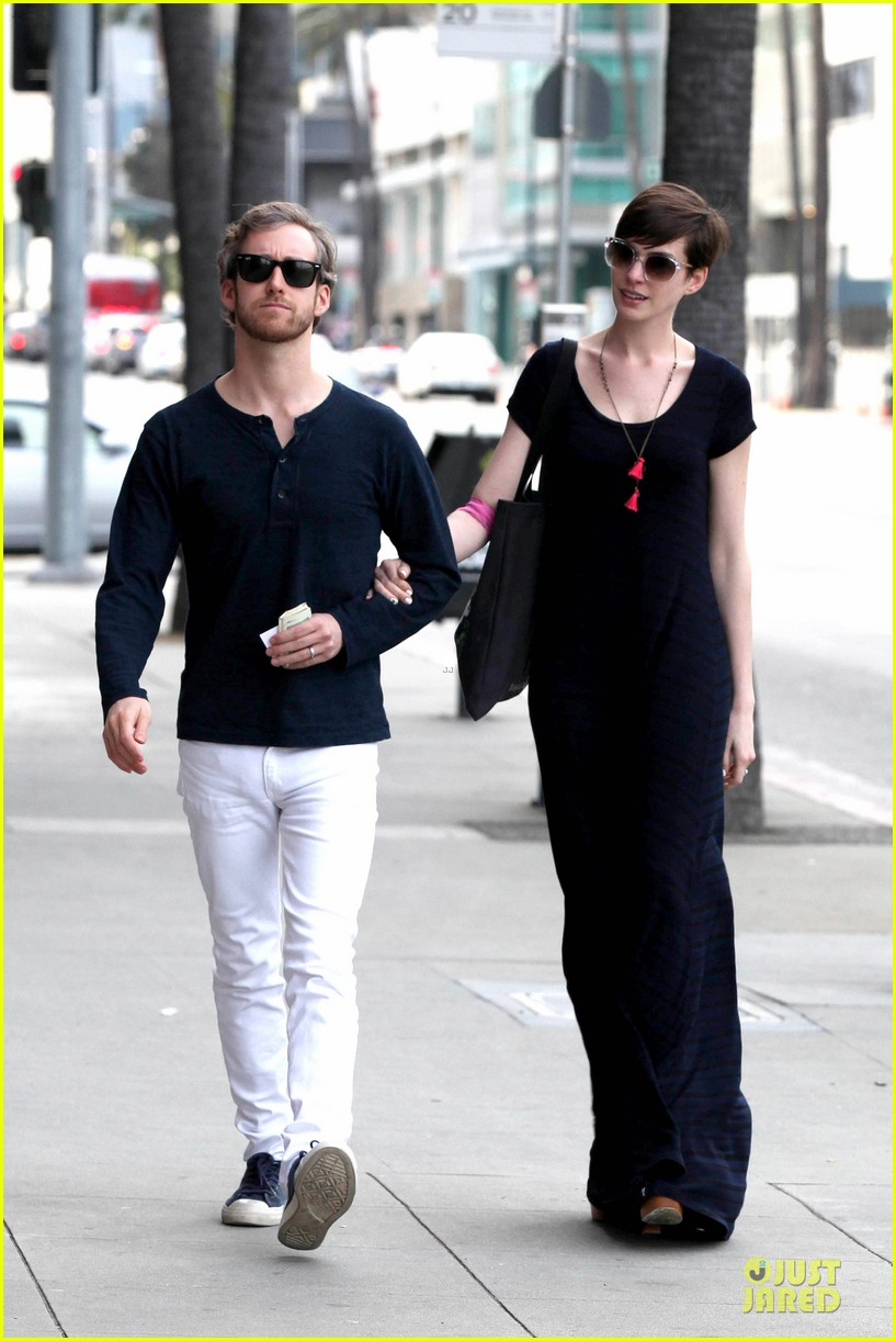 anne hathaway adam shulman medical office visiting couple 18