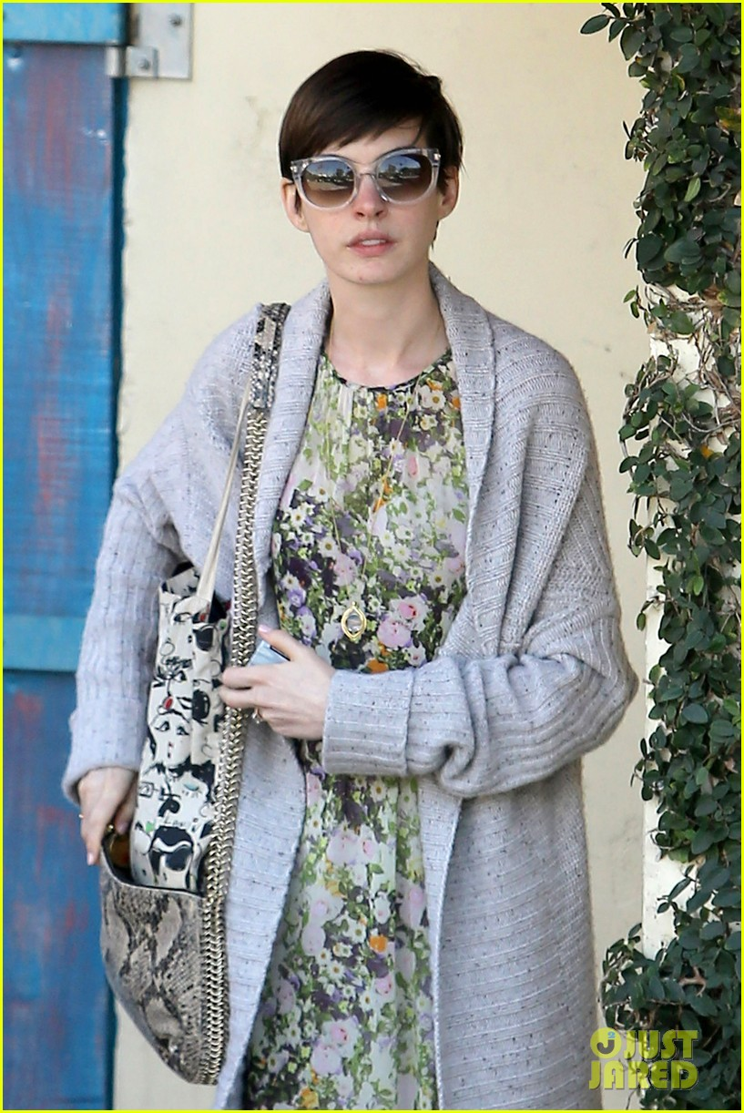 anne hathaway steps out post oscar win in beverly hills 022821295