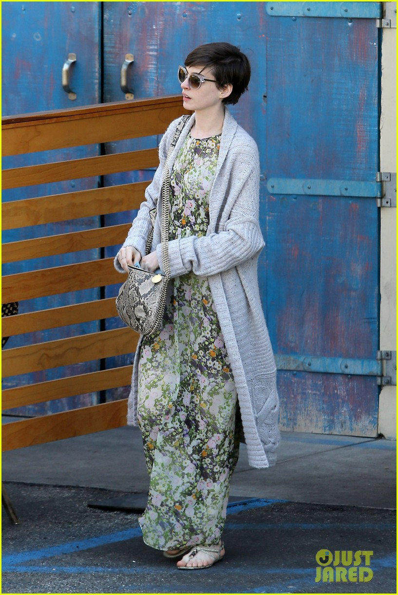 anne hathaway steps out post oscar win in beverly hills 062821299