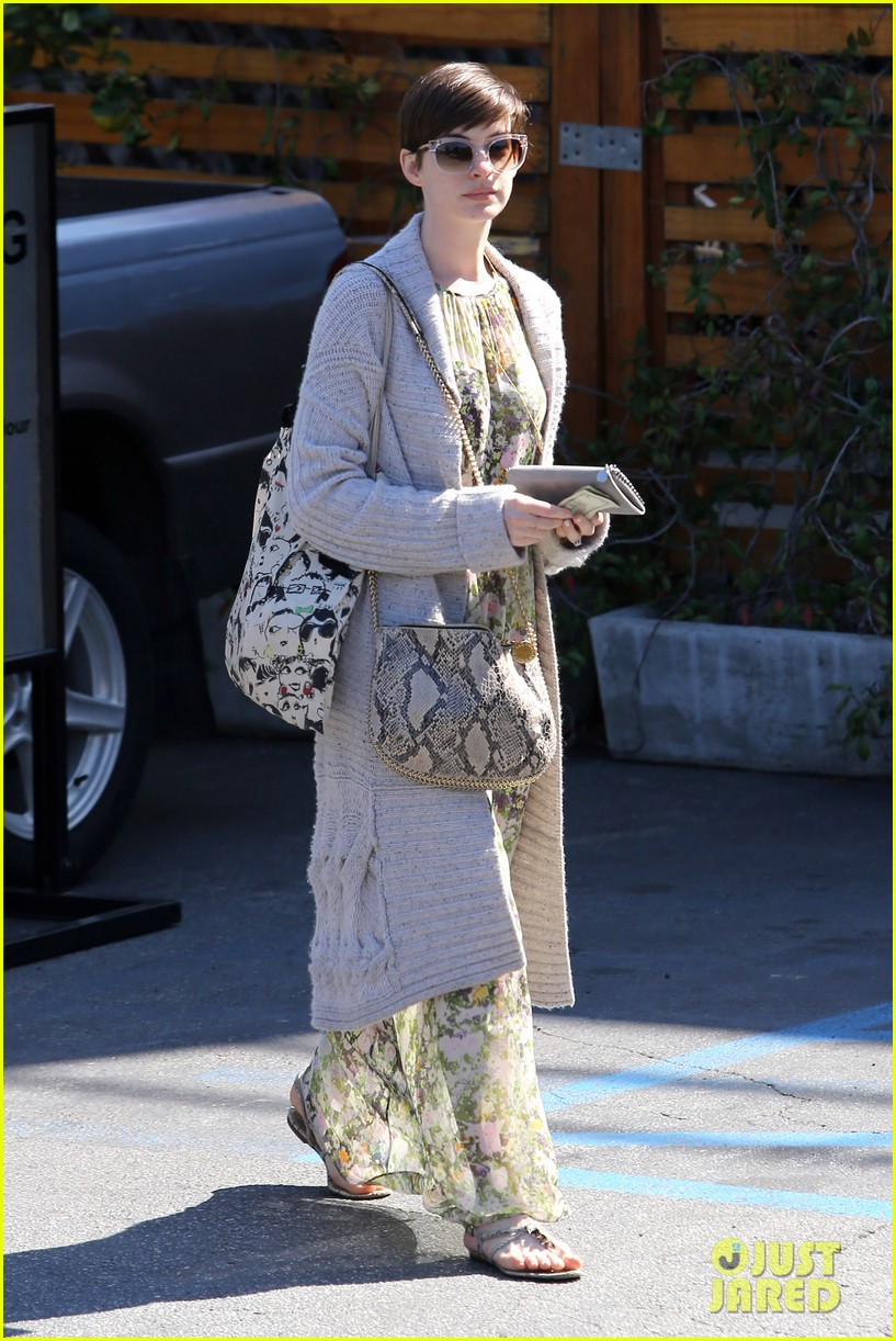 anne hathaway steps out post oscar win in beverly hills 072821300