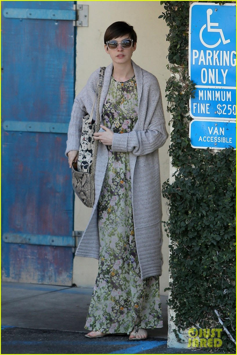 anne hathaway steps out post oscar win in beverly hills 092821302