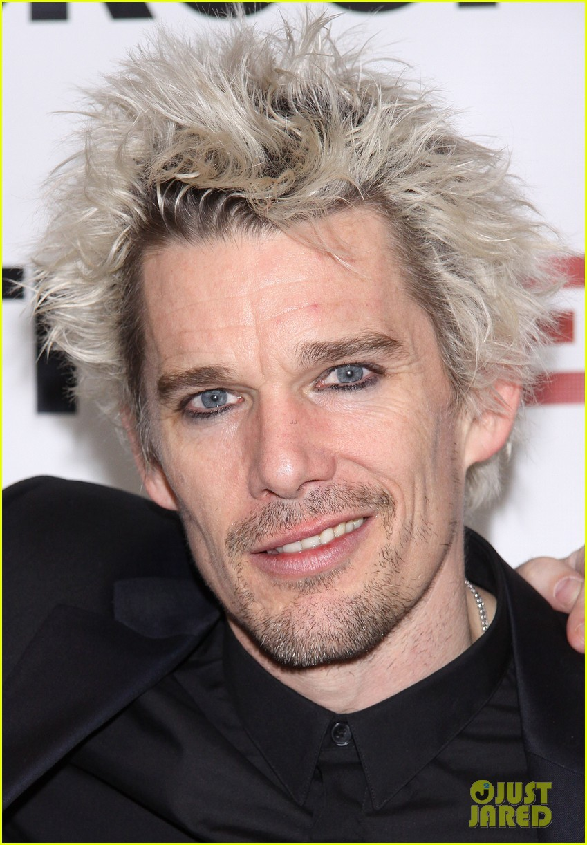 ethan hawke clive opening night party 072807239