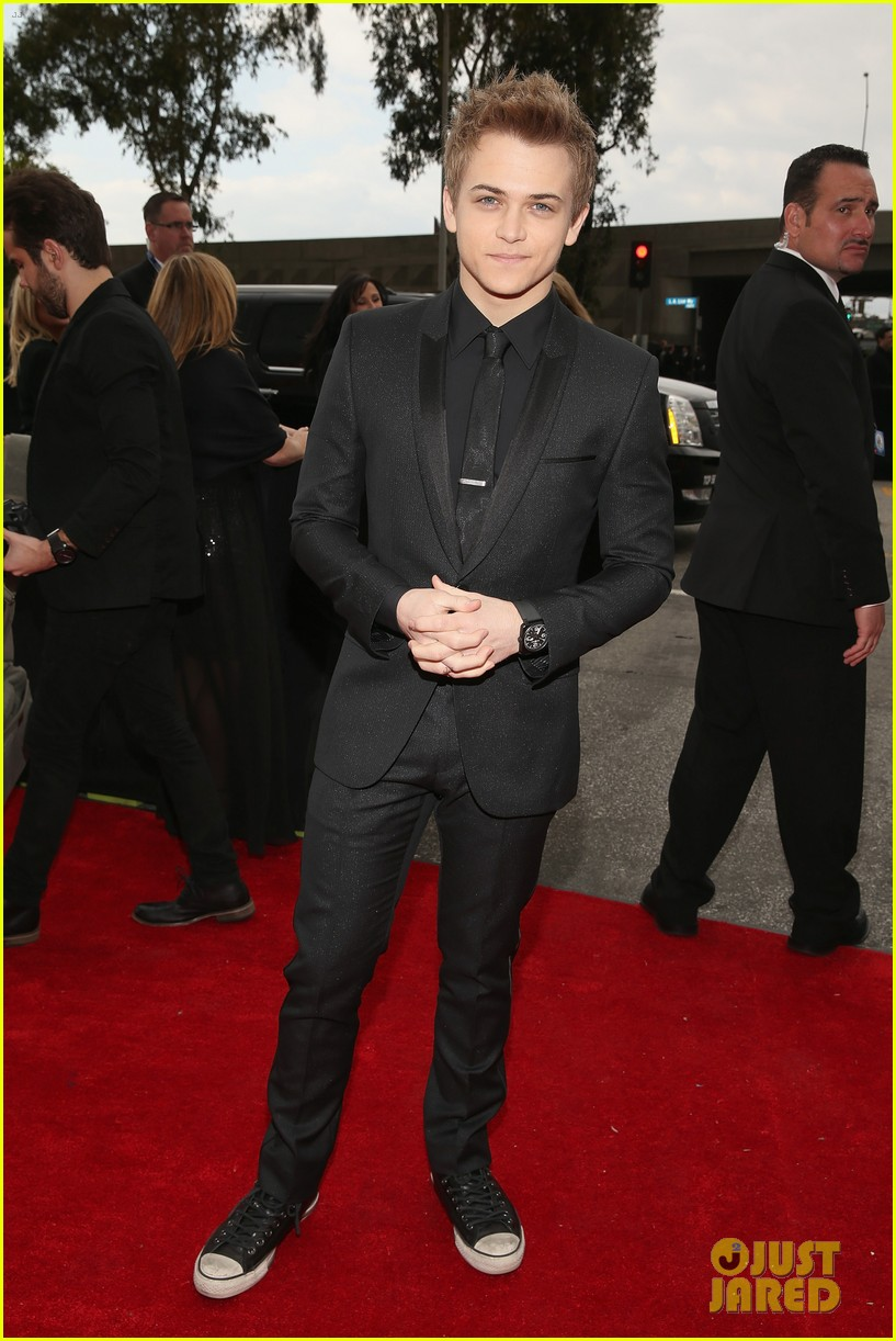 hunter hayes grammys 2013 red carpet 04