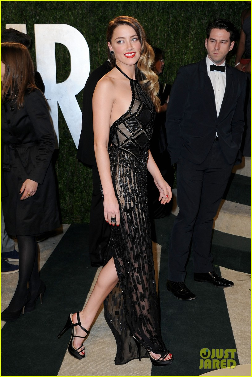 amber heard vanity fair oscars party 2013 01