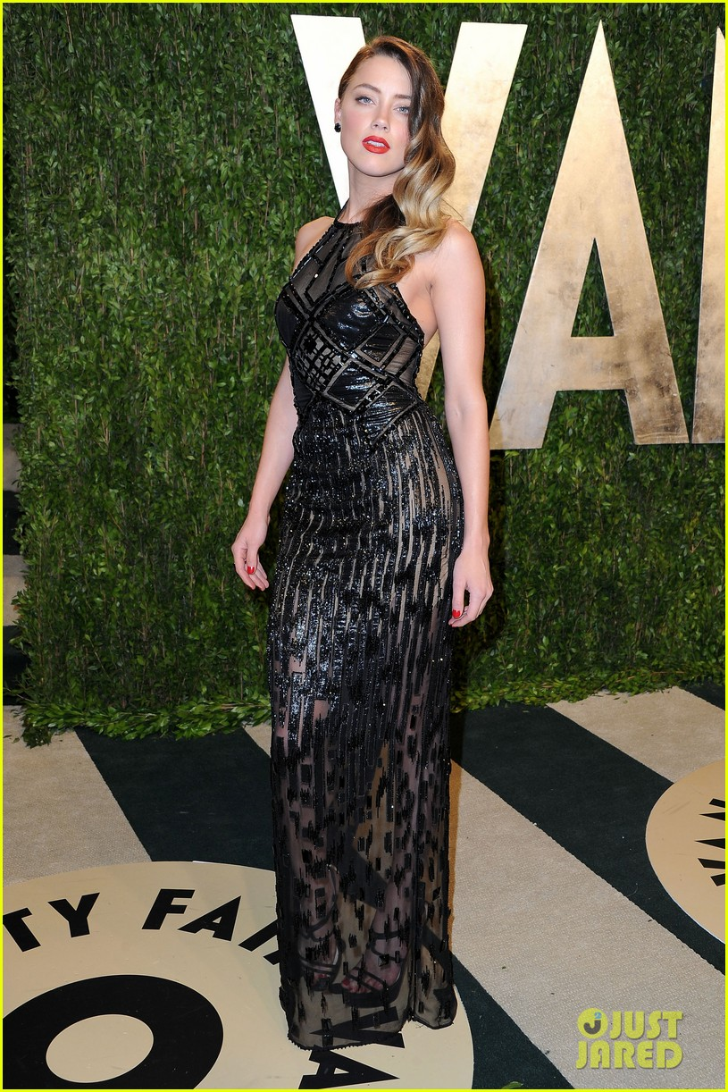 amber heard vanity fair oscars party 2013 03