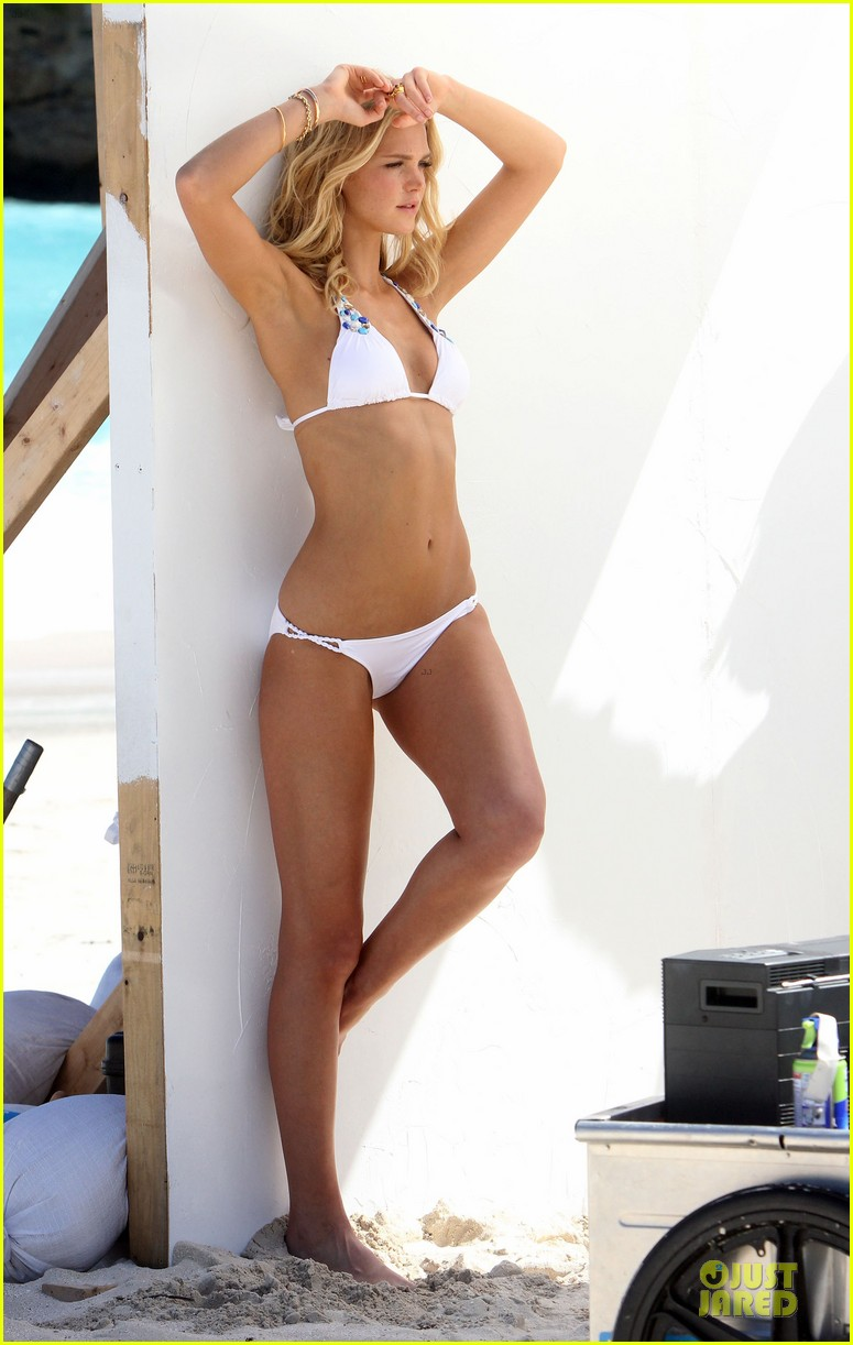 erin heatherton bikini shoot for victoria secret 32