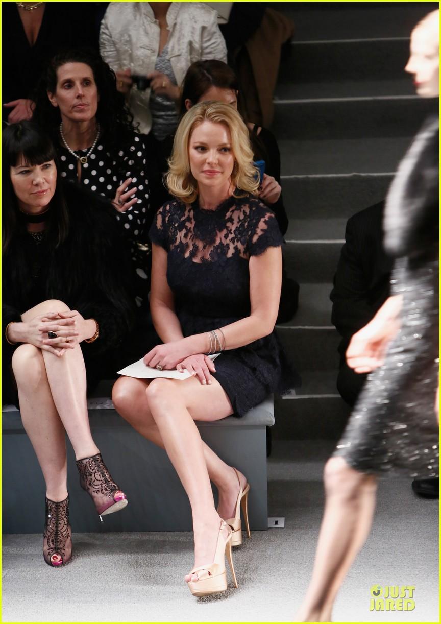katherine heigl  reem acra fashion show 032810505