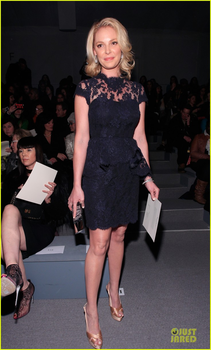 katherine heigl  reem acra fashion show 092810511