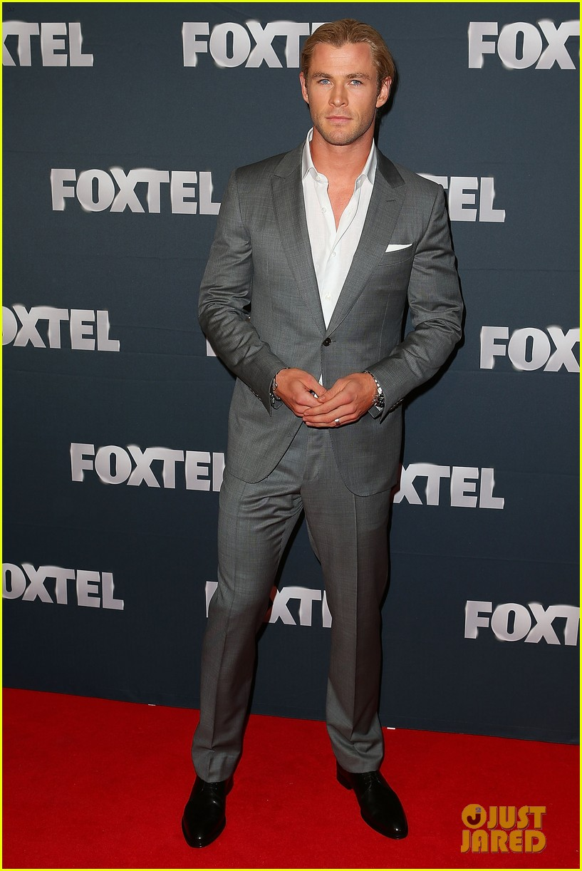 chris hemsworth sam worthington 2013 foxtel launch 042815612