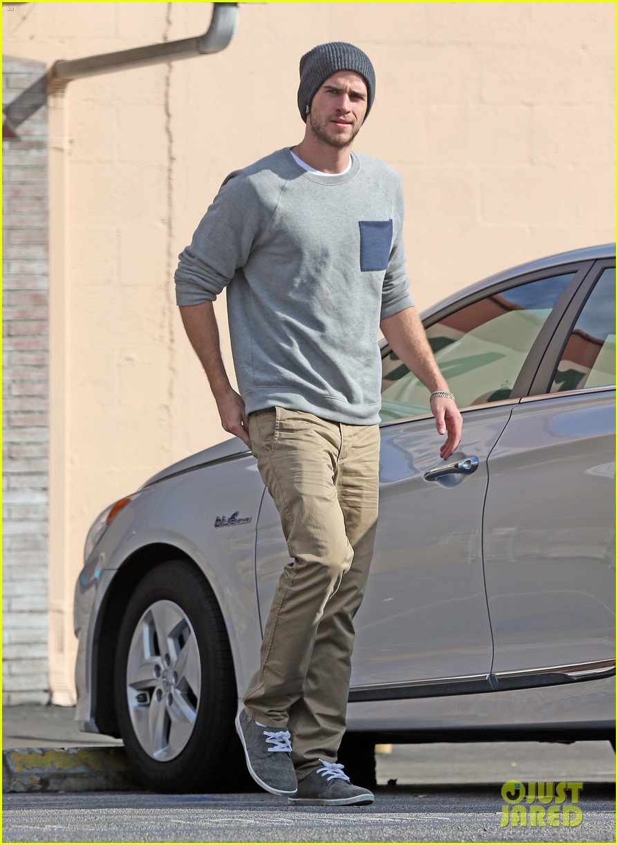 liam hemsworth love honor out in march 012810550