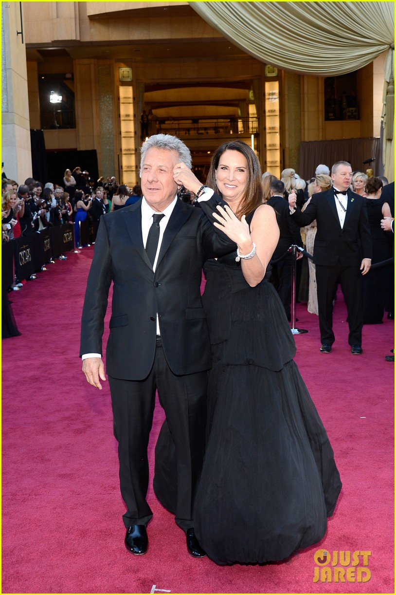 dustin lisa hoffman oscars 2013 red carpet 02