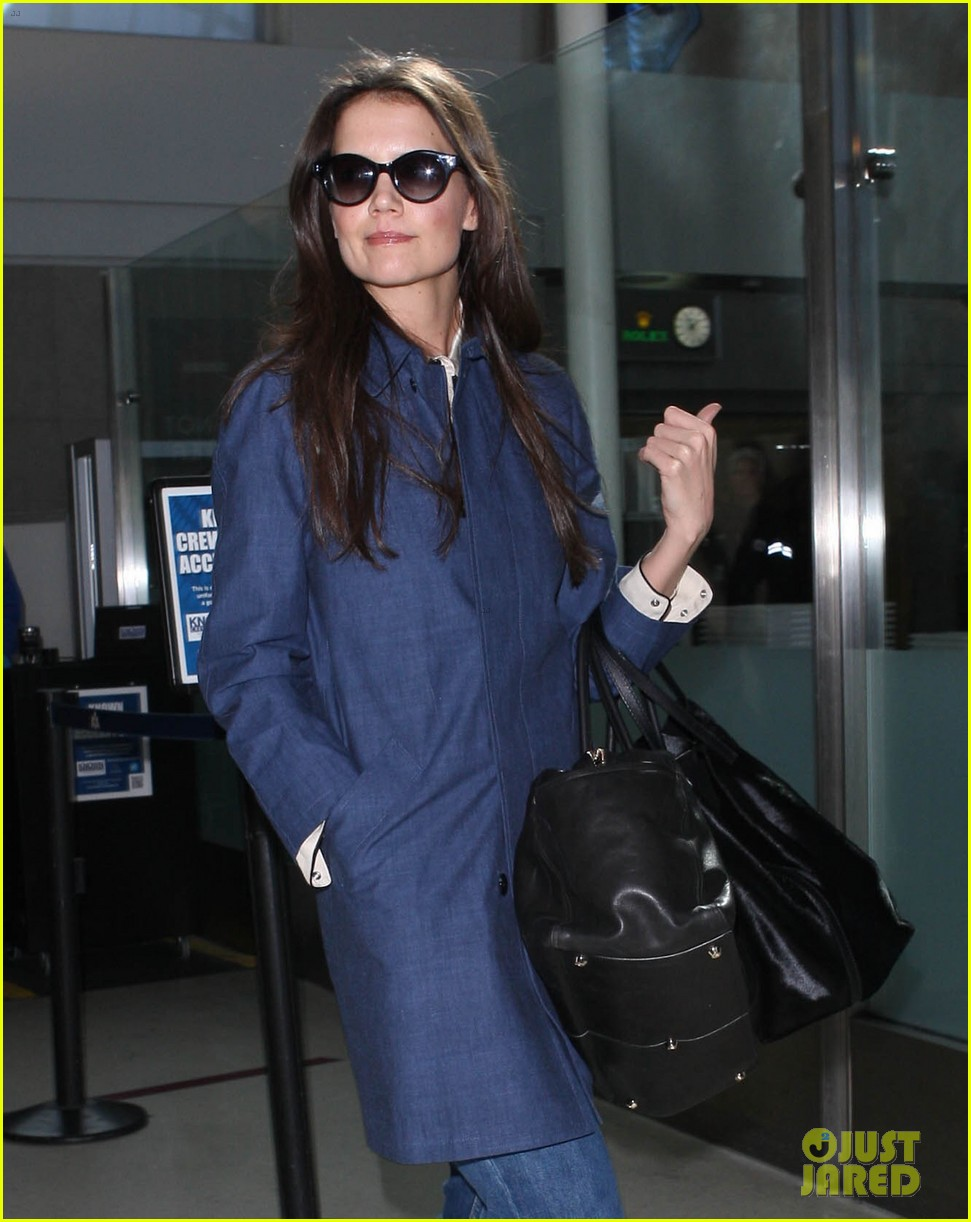 katie holmes flies from jfk to lax 062816678