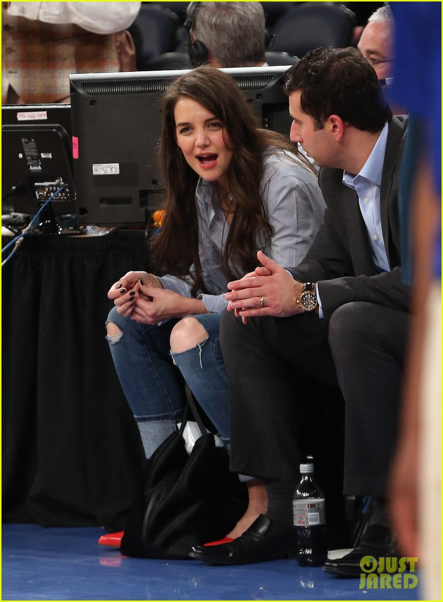 katie holmes knicks game with mystery man 032822352
