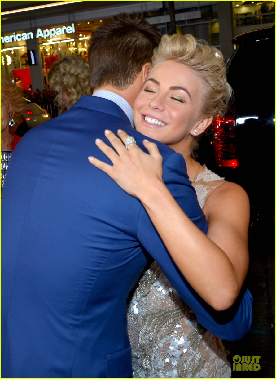 julianne hough ryan seacrest safe haven hollywood premiere 04