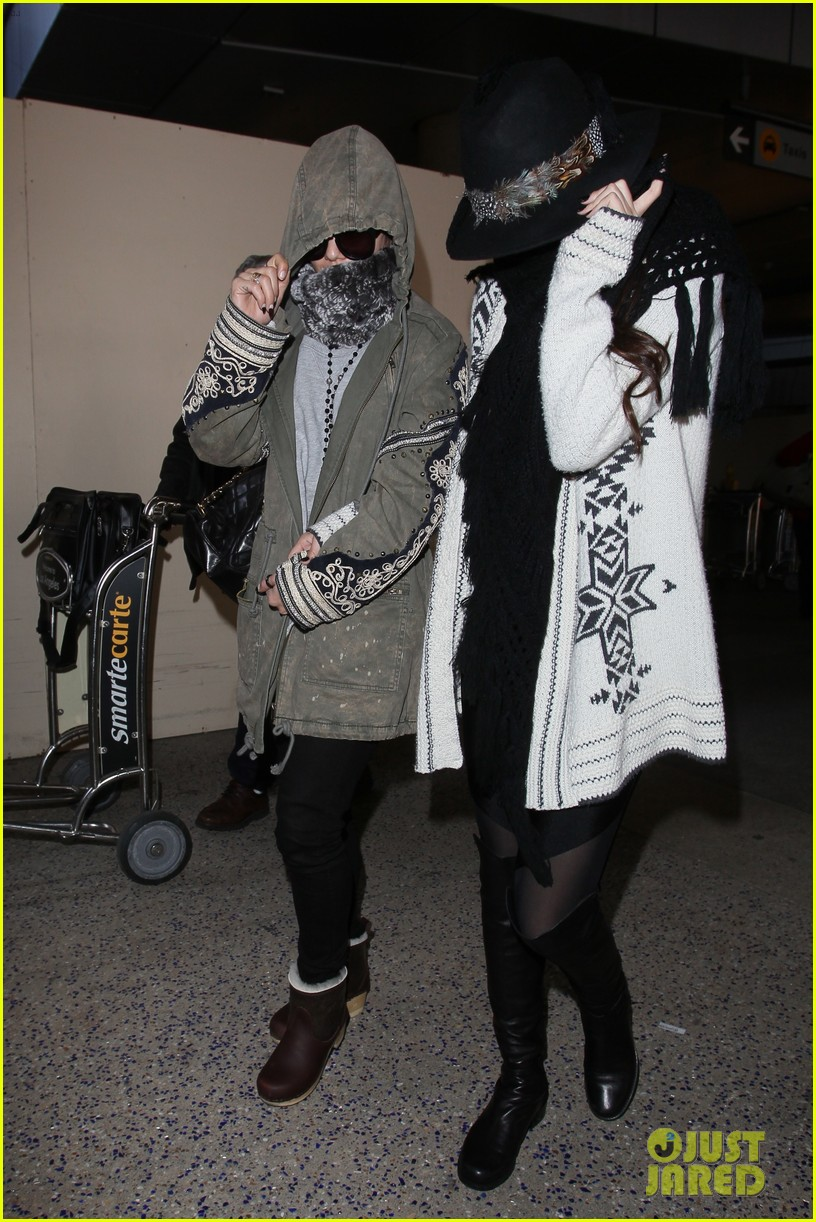 vanessa hudgens selena gomez back in los angeles 10