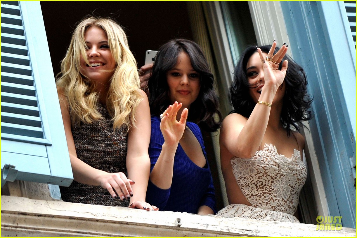 vanessa hudgens ashley benson spring breakers kisses in rome 162817693