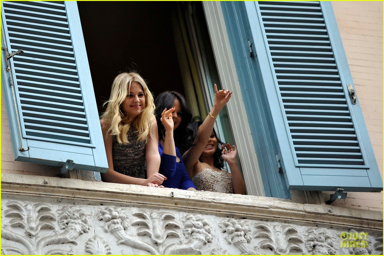 vanessa hudgens ashley benson spring breakers kisses in rome 222817699