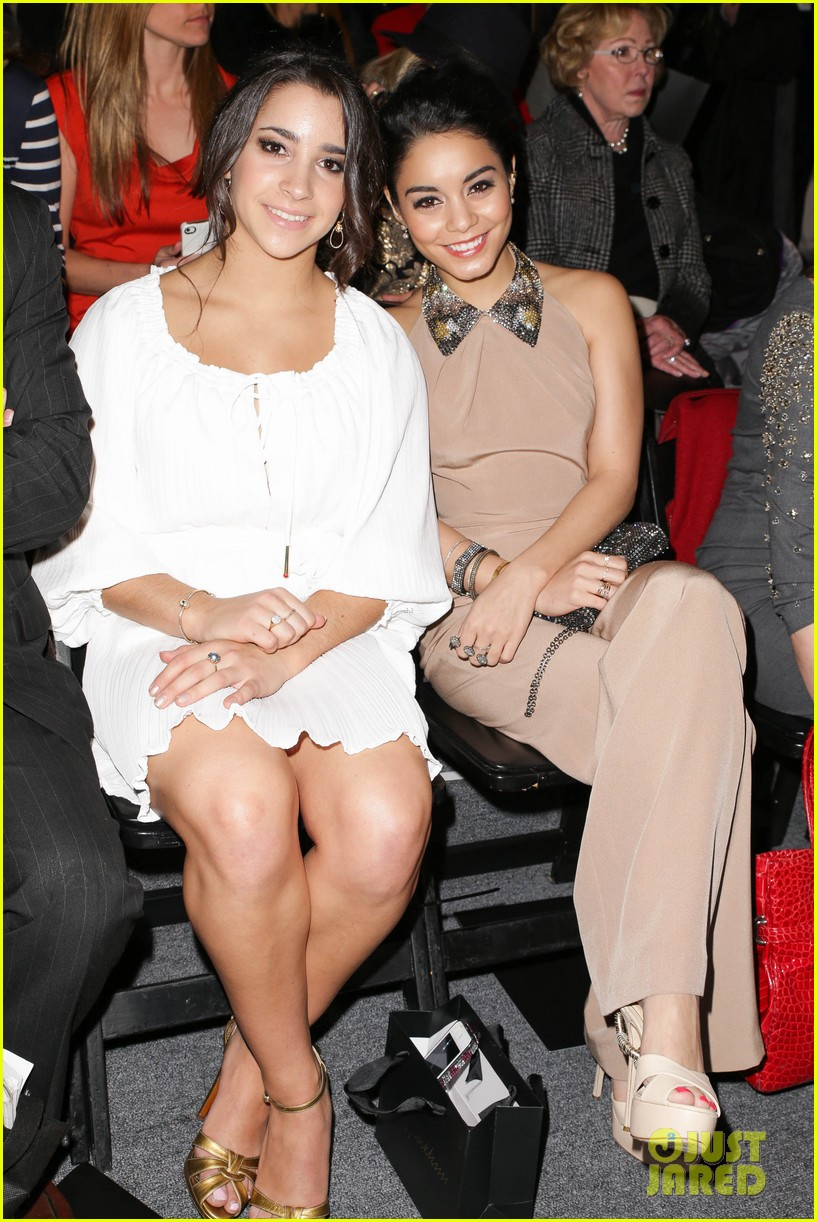 vanessa hudgens katherine heigl jenny packham fashion show 05