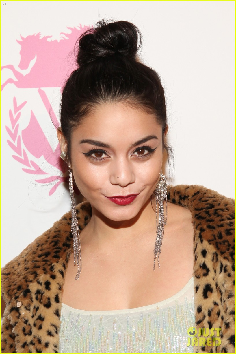 vanessa hudgens wildfox presentation with austin butler 082806210
