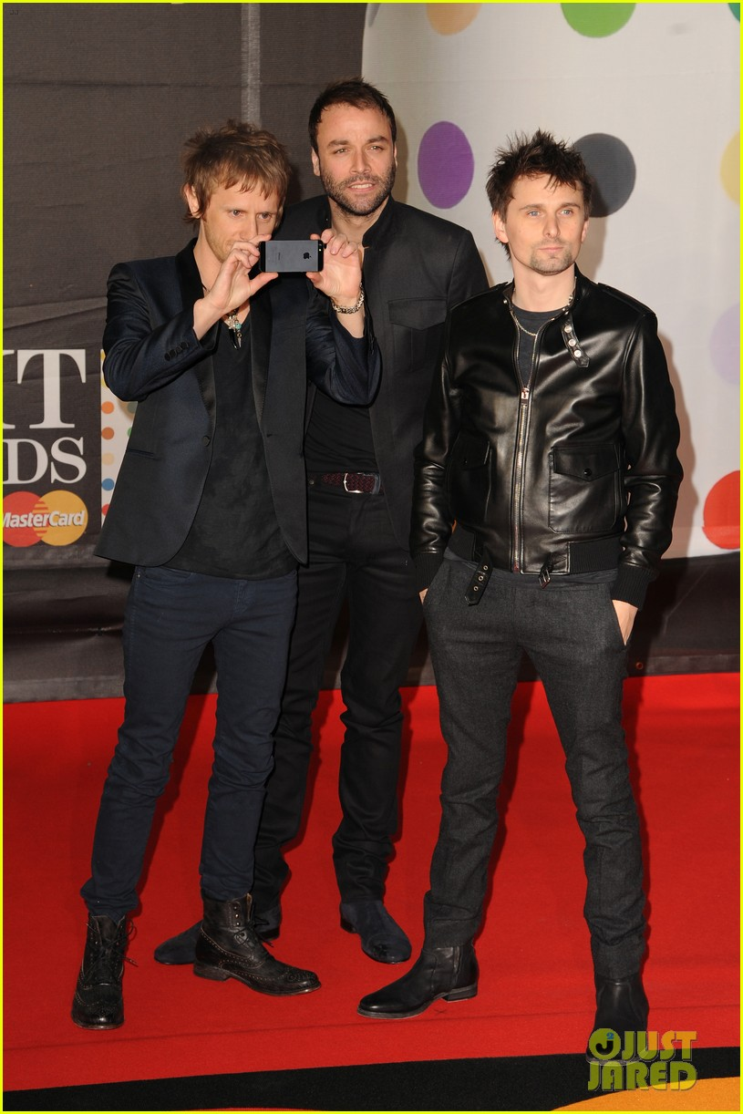 kate hudson brit awards after party with matthew bellamy 072816294