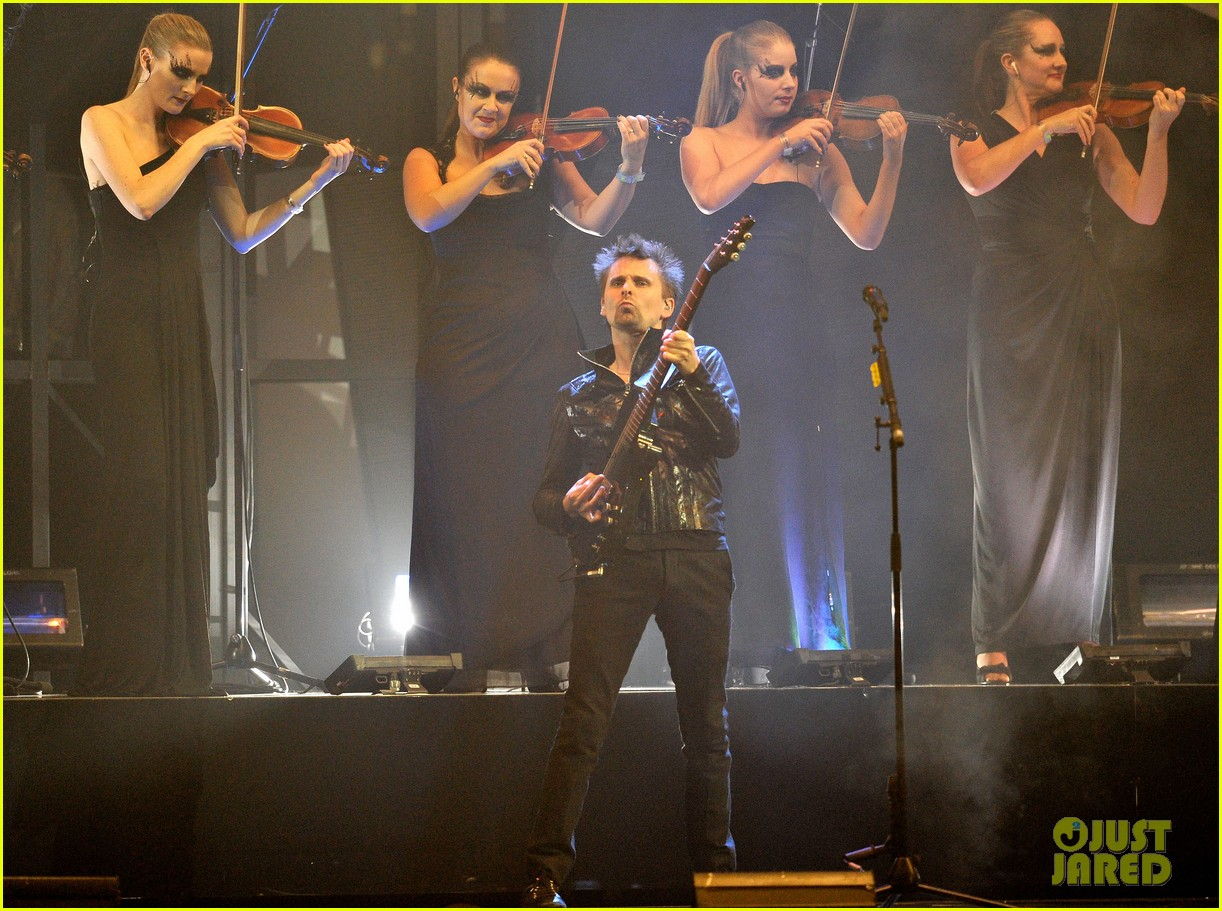 kate hudson brit awards after party with matthew bellamy 13