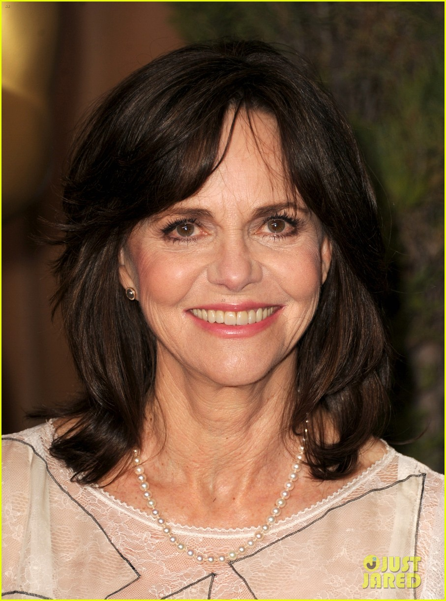 helen hunt sally field oscar nominees luncheon 2013 07