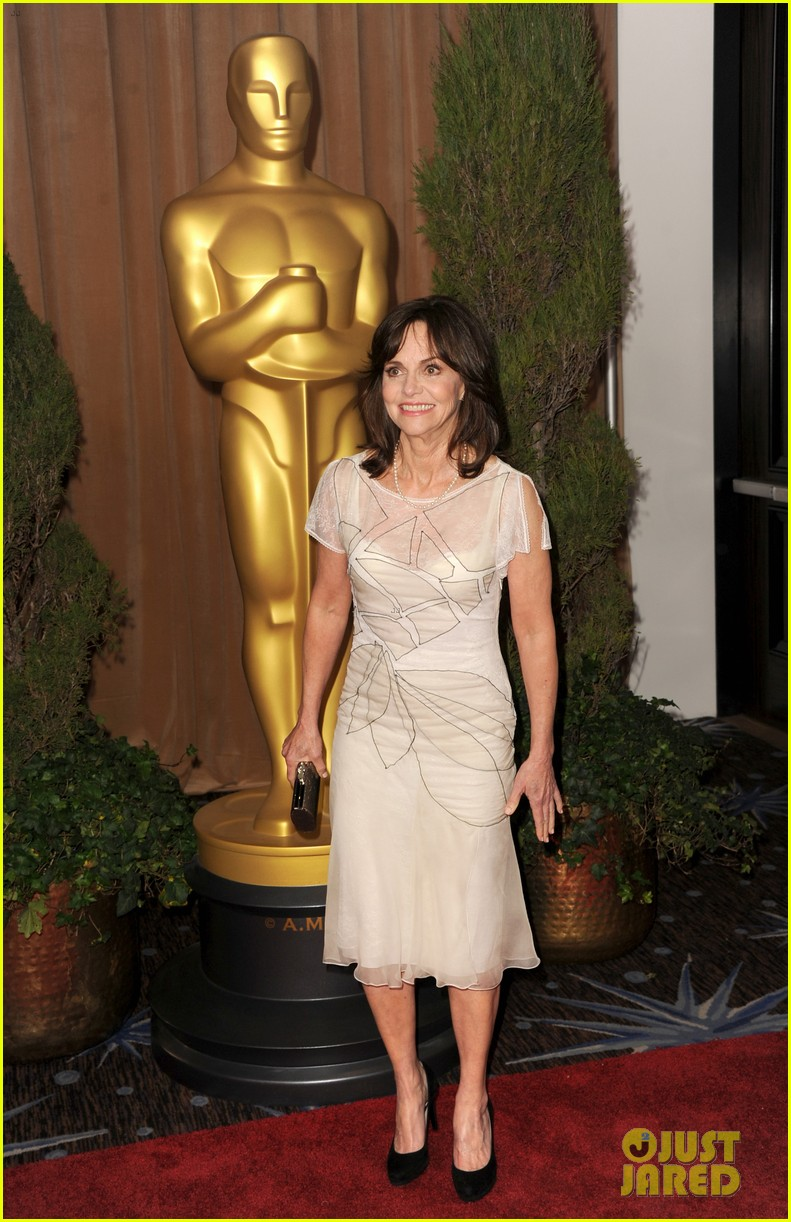 helen hunt sally field oscar nominees luncheon 2013 112804784