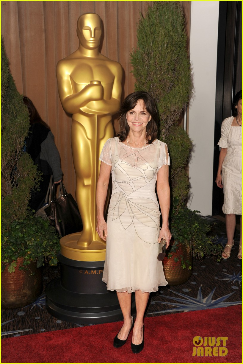 helen hunt sally field oscar nominees luncheon 2013 122804785