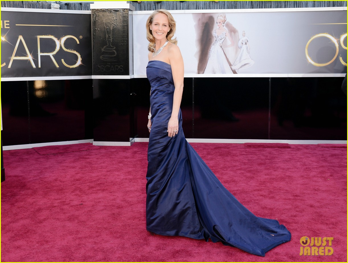 helen hunt oscars 2013 red carpet 022819111