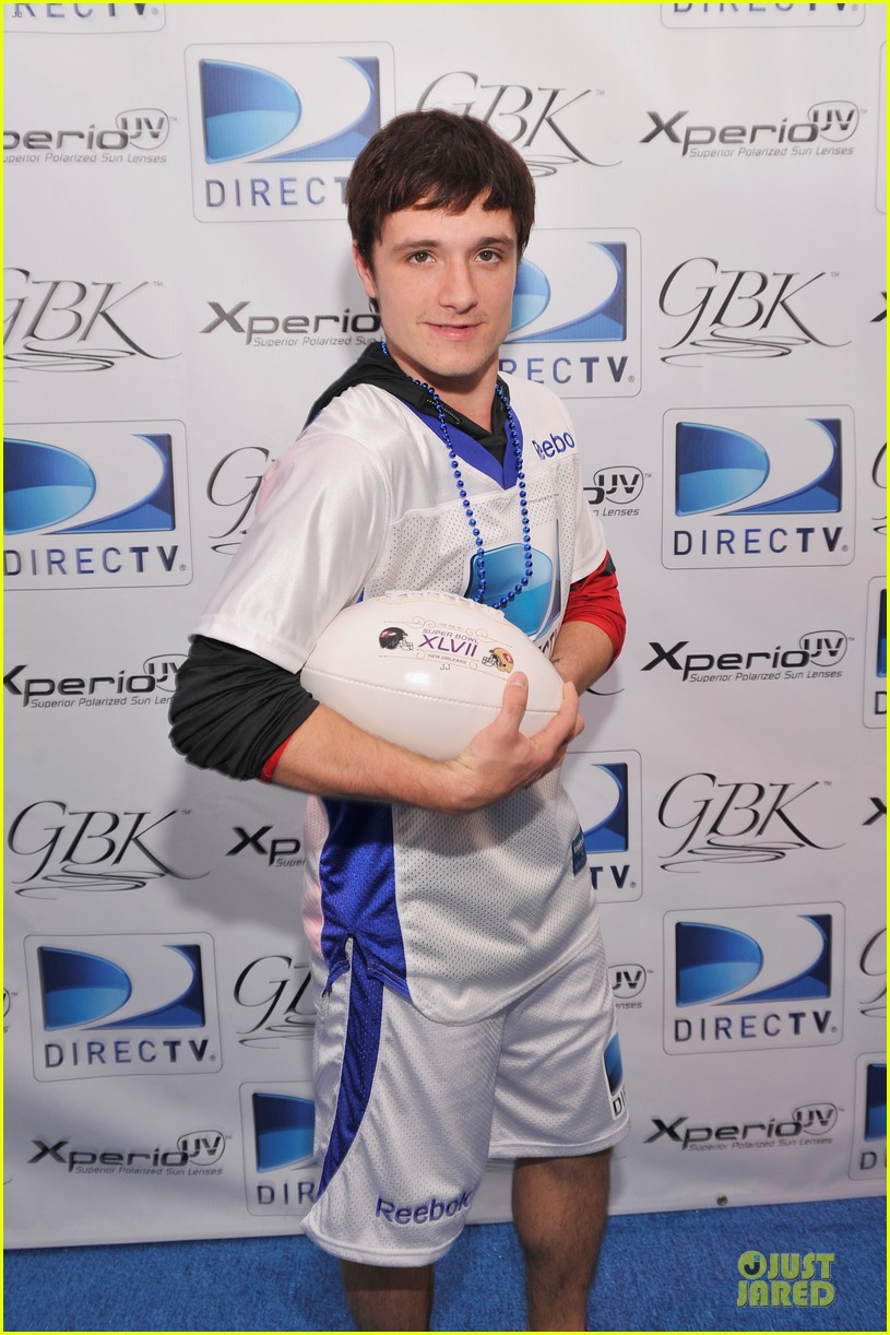 josh hutcherson celebrity beach bowl attendee 022803233