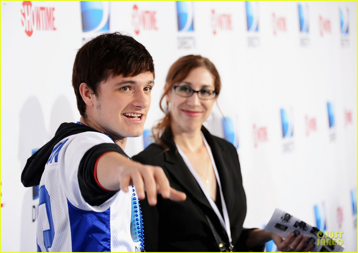 josh hutcherson celebrity beach bowl attendee 10