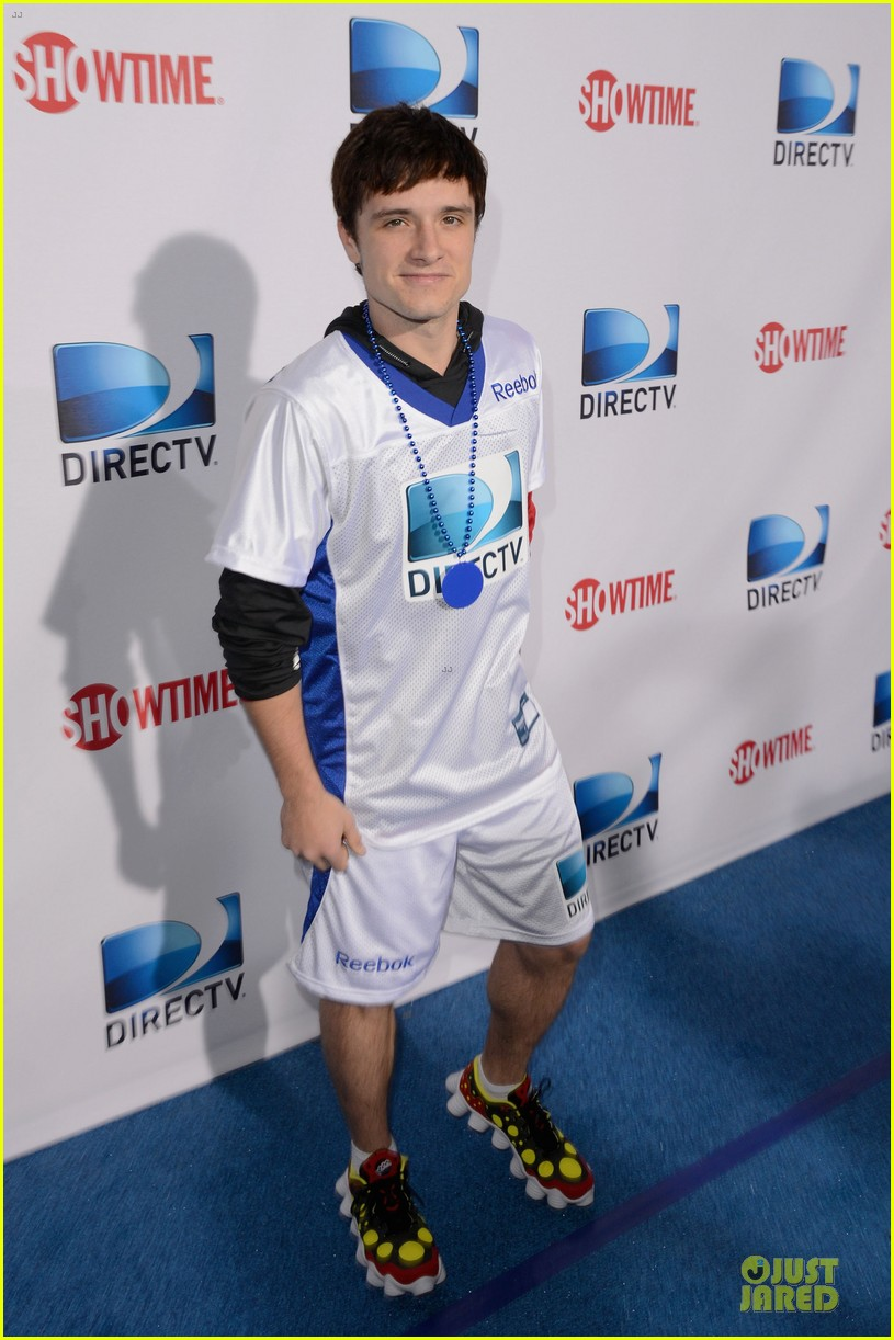 josh hutcherson celebrity beach bowl attendee 12