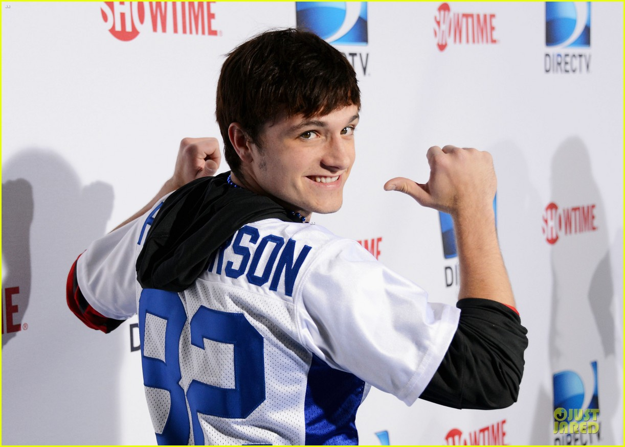 josh hutcherson celebrity beach bowl attendee 14